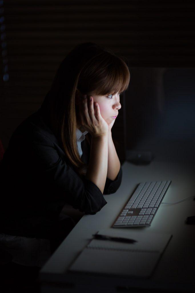 仕事を辞めたい新卒社員は、何をそんなに恐れている?